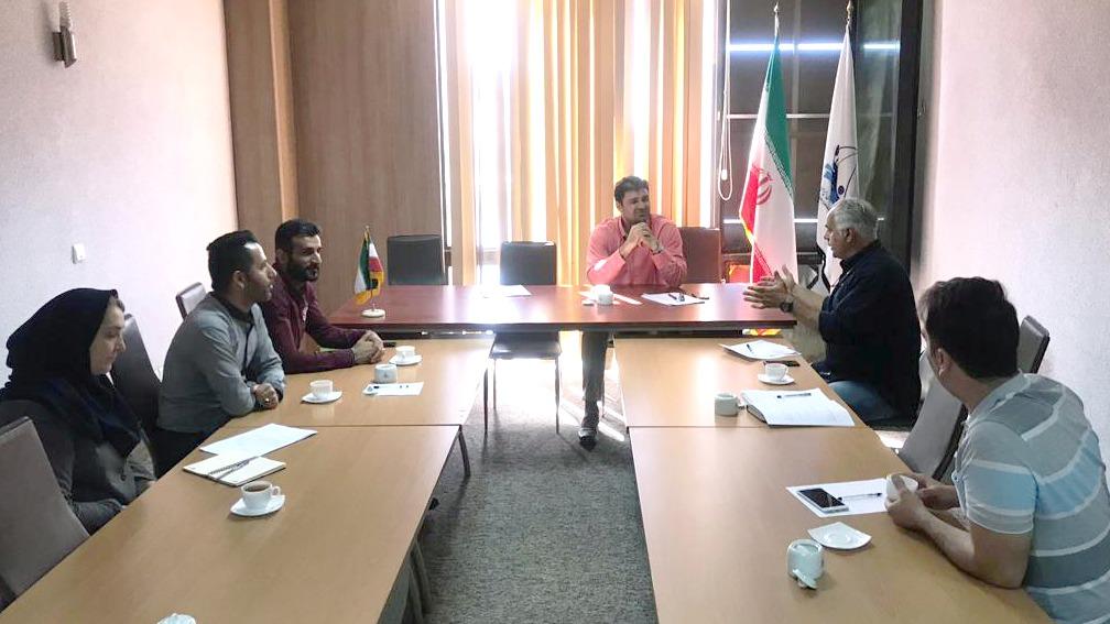 جلسه رئیس فدراسیون قایقرانی با مسئولان فدراسیون برای رقابت های آسیایی کانوپولو