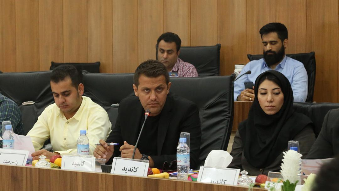 مهدی زارعی رئیس هیات قایقرانی بوشهر باقی ماند