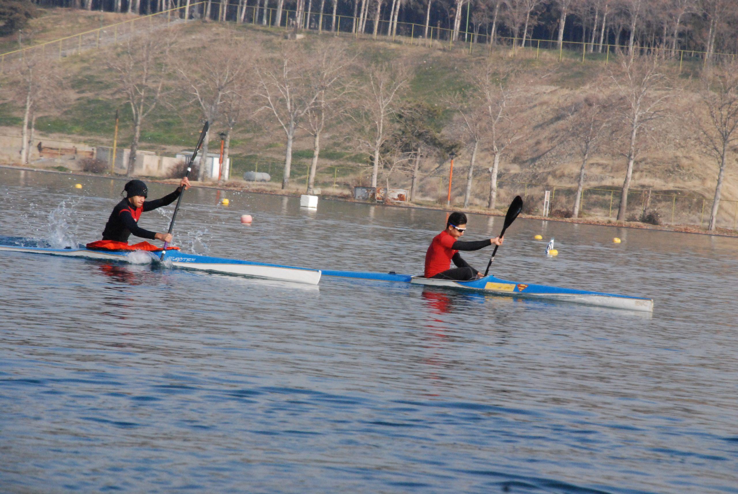 تیم ملی کایاک زیر 23 سال و جوانان آقایان در دریاچه آزادی به آب می زند
